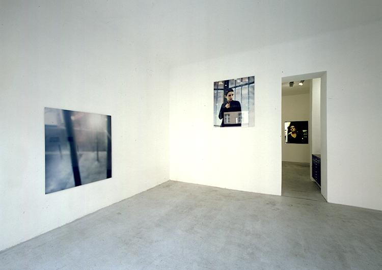 UNE VIE PLUS ORDINAIRE / 2000, 20 photographs / c-print / on aliminium / 125 x 125 cm / Galerie Wohmaschine, Berlin