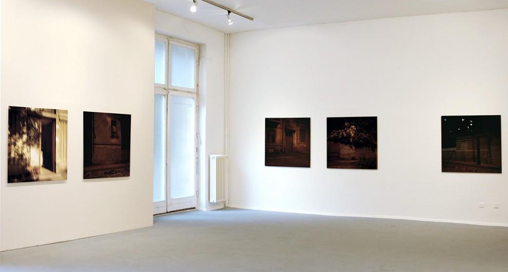WAS BLEIBT / 2003-2006 / 9 photographs / c-print / 100 x 100 cm / KH Bethanien, Berlin